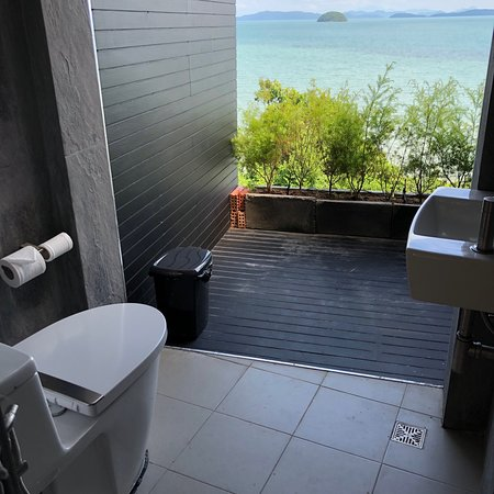 8IK88 Resort: Bathrooms with a view