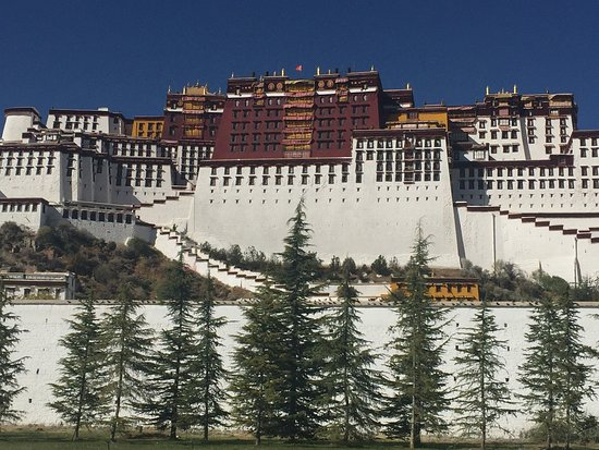 5-Night Lhasa City Private Tour: The Palace.