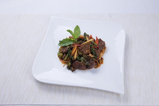 Stir-fried braised beef with chili paste and cardamon