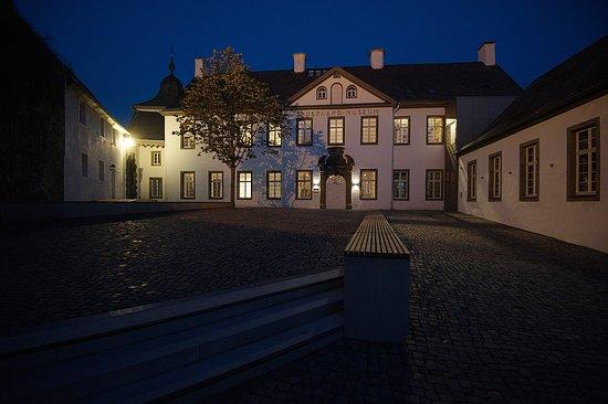 Arnsberg, Duitsland: Der Landsberger Hof, in dem das Sauerland-Museum untergebracht ist