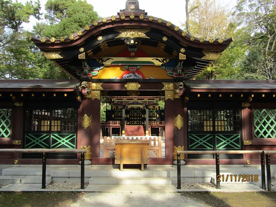 Funabashi, Japon : One of the main shrines, the artwork is amazing and kept in pristine condition