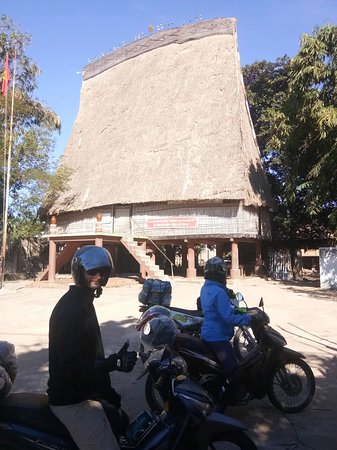 Indochina Motorbike Tours: Indochina Motorbike Tour - Motorbike tour across Vietnam - Ms Lyons and friend