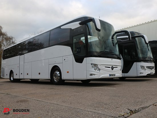 luxury coach hire in Coventry