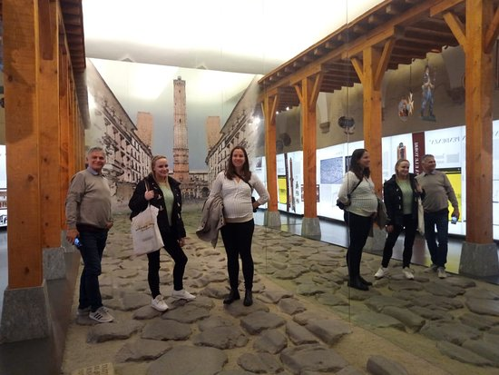 Academya Lingue in visita allo spettacolare Museo della Storia di Bologna