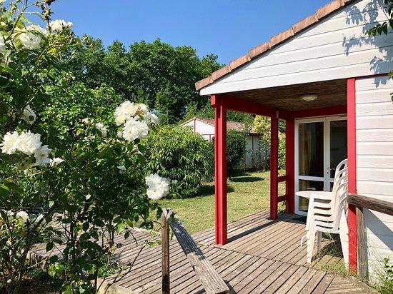 Git'Ostal: Chaque maisonnette dispose d'une terrasse ombragée plein sud
