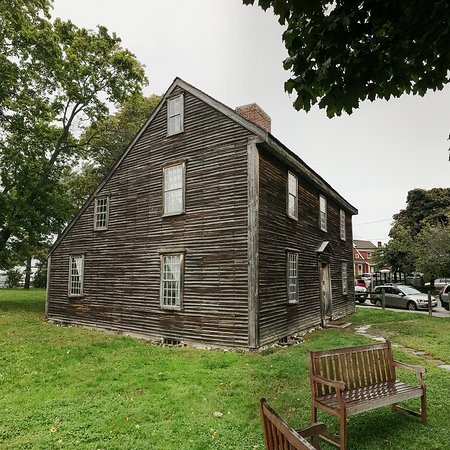 Exterior of the birthplace of John Adams in Quincy, MA (foundtrips)
