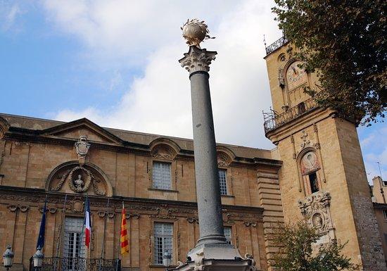 Chris Curtis Photography: Hôtel de Ville & Roman column - Aix-en-Provence