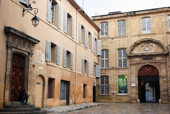 Chris Curtis Photography: 17th & 18th century architecture of the old town - Aix-en-Provence