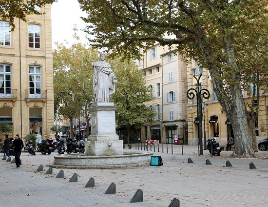 Chris Curtis Photography: The statue of the king of Provence - le Roi René  Aix-en-Provence