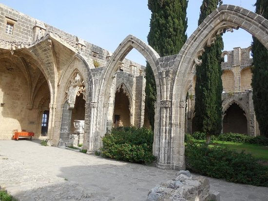 Bellapais Abbey: the damaged arches.