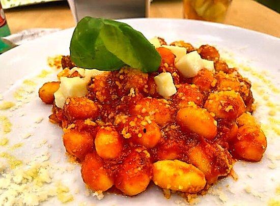 Неаполь, Италия: gnocchi