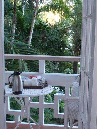 Couples Sans Souci: D 1 terrace breakfast