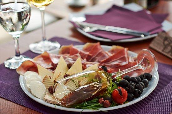 Dash's food and wine