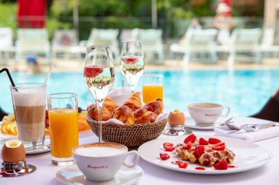 Petit Déjeuner au Fouquet's