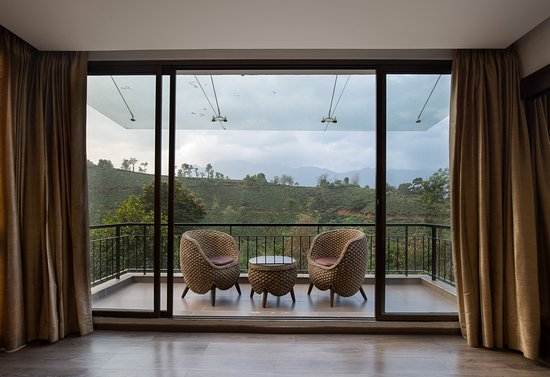 Chooralmala, Индия: Suite Room View of the Hills