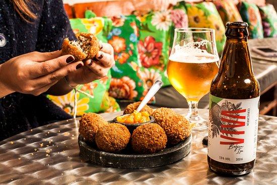Bolinho de Pato e Cerveja boa