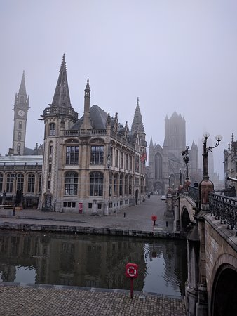 Гент, Бельгия: Zicht op de drie torens;