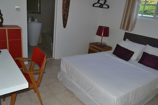 St. Vincent and the Grenadines: The White House, Harmony Hall St. Vincent Double room 2