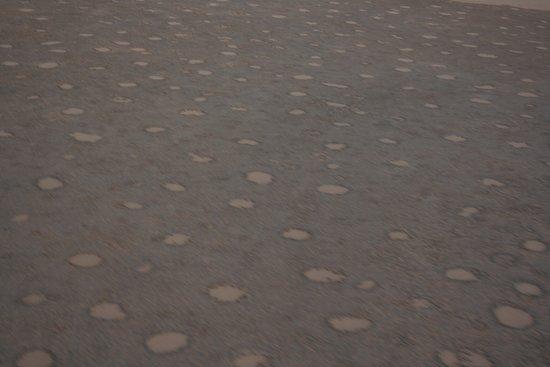 Sossusvlei Lodge Hot Air Balloon Flights: Centinaia di cerchi