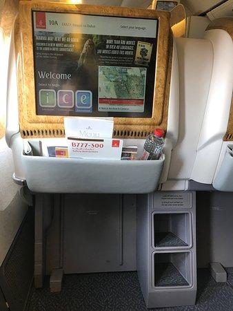 Emirates: leg space