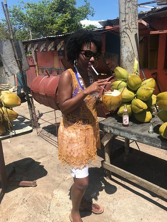 Trelawny Parish, Jamaica: With Kevin Hosang and KK Island Fun-Cation Tours at a beautiful location on the way to Montego Bay, we stopped to enjoy locate coconut jelly adding a little twist to it of course.