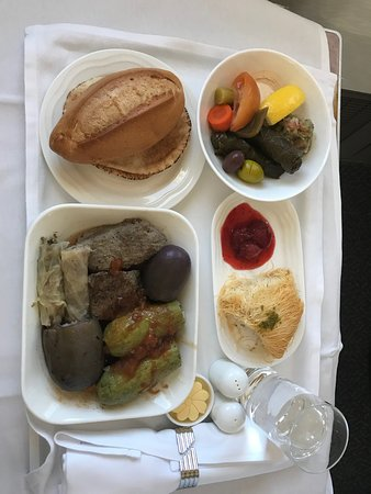 Emirates: 4 course lunch