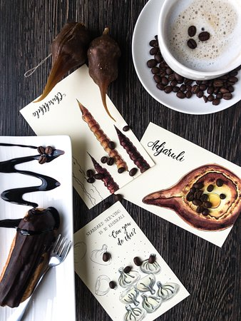 Chichi Lucky: Coffee. Cakes. Churchhela.