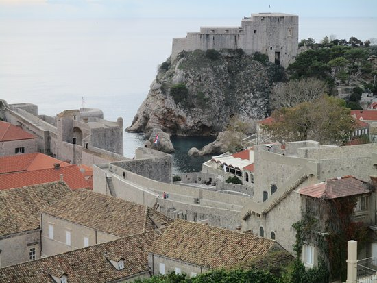 View of the walls and the fortress from the upper wall.