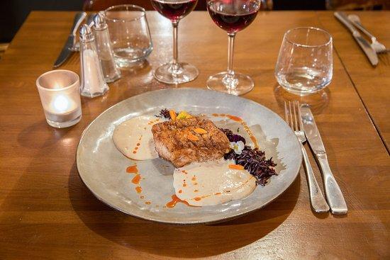 Restaurant Melodie: Filet de Lingue, Espuma de cèpes au lard, riz noir