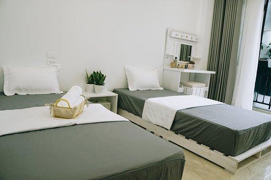 Bùi Thị Xuân, Вьетнам: Một góc phòng ngủ phòng đôi. Khách có thể lựa chọn phòng 2 giường đơn (1*2m) hoặc 1 giường đôi: 1,6*2m hoặc 2m*2m