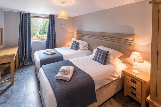 Lord Galloway Twin Bedroom