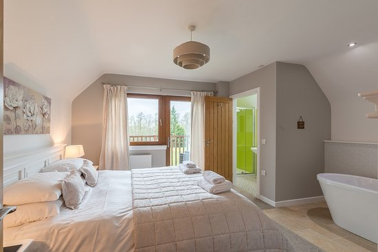 Lord Galloway Master Bedroom