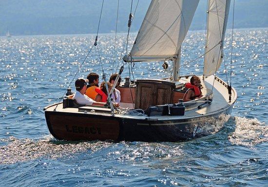 Canoe Island Lodge: Sailing on a custom made CIL 30 Sailboat