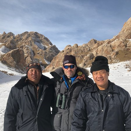 AbsolutePanda Tour: Qinghai province- gorgeous mountains, exotic Tibetan culture and a wild Tibetan brown bear! Wild golden monkeys in Qingling mountains!