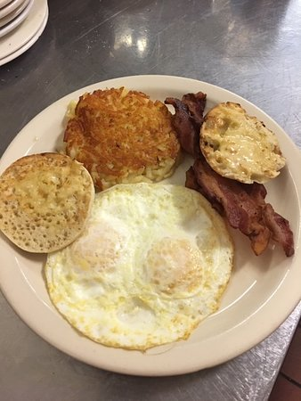 Our BIG breakfast - eggs, hashbrowns, bacon, and we only serve Thomas' English muffins!