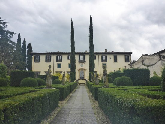 Self-Drive Vintage Fiat 500 Tour from Florence: Tuscan Wine Experience: The estate where we did our wine tasting.