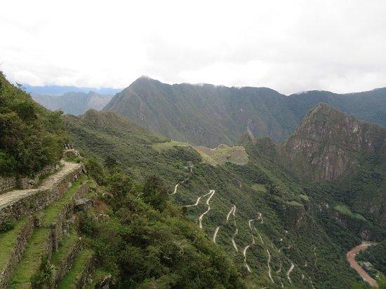 Мачу-Пикчу, Перу: Uitzicht op Machu Picchu vanaf de Zonnepoort, het hoogste punt van de 2-daagse Inca-trail