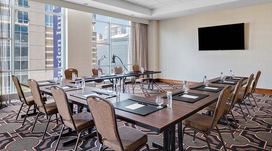 Interior - Picture of Hilton Garden Inn Chicago McCormick Place - Tripadvisor
