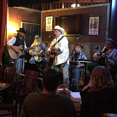 Wartrace, TN: Duane & Chris and Friends, an eclectic group of Nashville players.