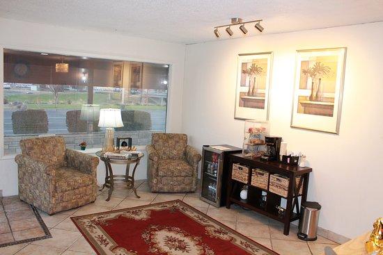 Lobby - Picture of Americas Best Value Inn, Boardman - Tripadvisor