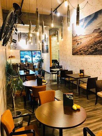 Rebel84 Grill & Cafe: Innenbereicht