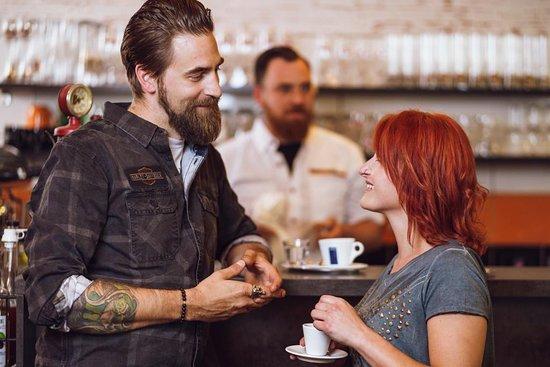 Rebel84 Grill & Cafe: Bar