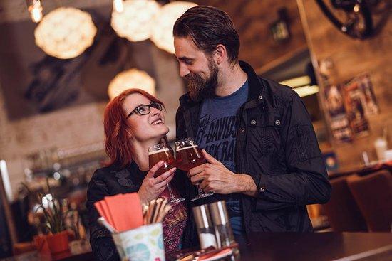 Rebel84 Grill & Cafe: Craft Beer