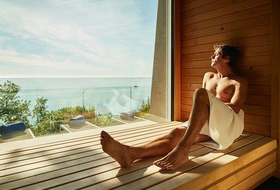 Hotel Riviera & Maximilian's: Sauna con vista sul mare
