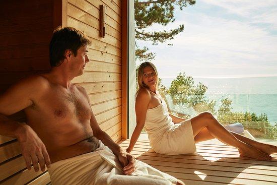 Hotel Riviera & Maximilian's: Sauna vista mare