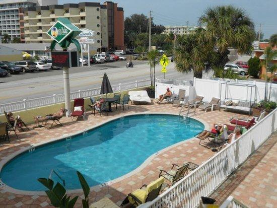 Pool - Oasis Palms Resort Photo