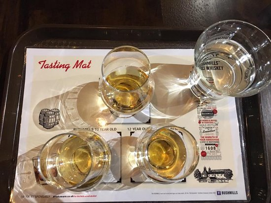 """Giant's Causeway Premium Day Tour from Belfast (Includes Admissions): Whiskey """"flight"""" at Old Bushmills Distillery. Perfect way to end our trip!"""