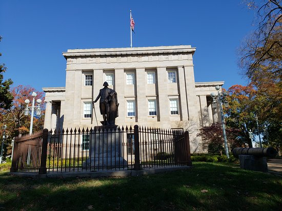 NC State Capital Building - George Washington in front of Capital Building