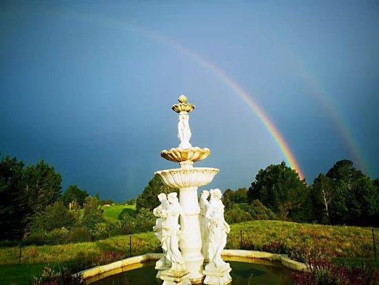 Country Villa Estate: Stunning rainbow