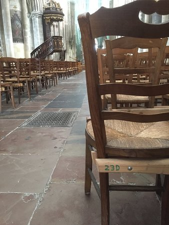 St Jacques Church: Lots of spare seats.